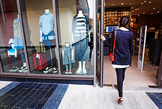 "Blog: Facing the ""New Normal"" in Retail: Ensure Social Distancing and Improve Business"